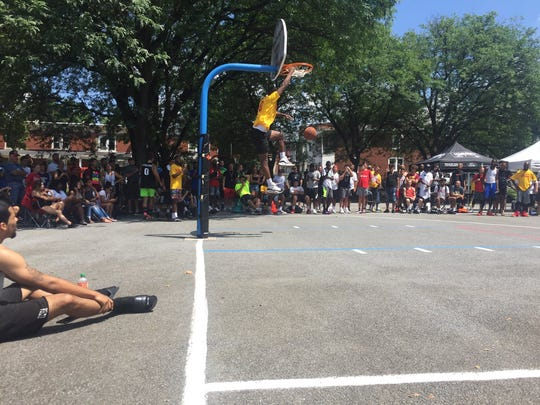 The slam dunk contest was again a crowd-pleasing part of Sweep The Streets.