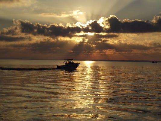 635487850993684192-arlenewallworth-boaters