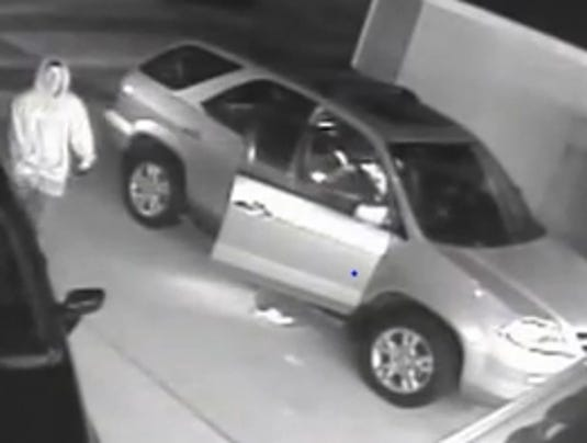 thieves defeat keyless entry to break into cars. Black Bedroom Furniture Sets. Home Design Ideas