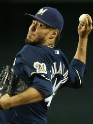 Yovani Gallardo is trying to win a spot in the Brewers starting rotation during spring camp.