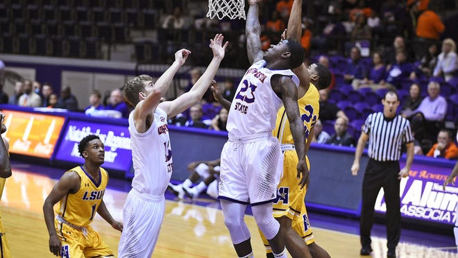 Northwestern State junior forward Zeek Woodley scored a game-high 39 points on 14-of-19 shooting from the field and knocking down all 10 of his free throws against the LSU of Alexandria Generals Monday.