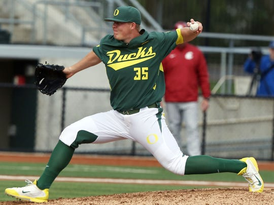 Orioles' prospect Garrett Cleavinger pitches for Oregon against Washington State at PK Park in Eugene in 2014.