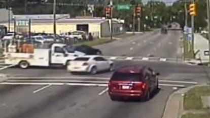 Video compilation of drivers running redlights.