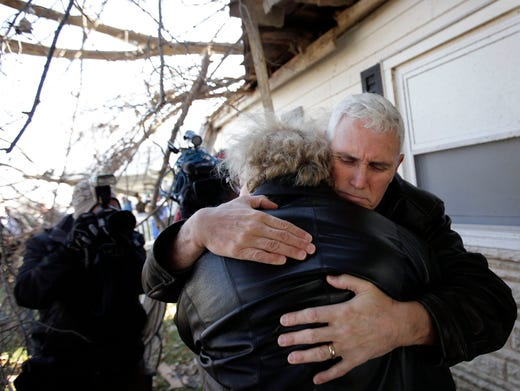 'There's nothing left' after storm blasts Illinois town