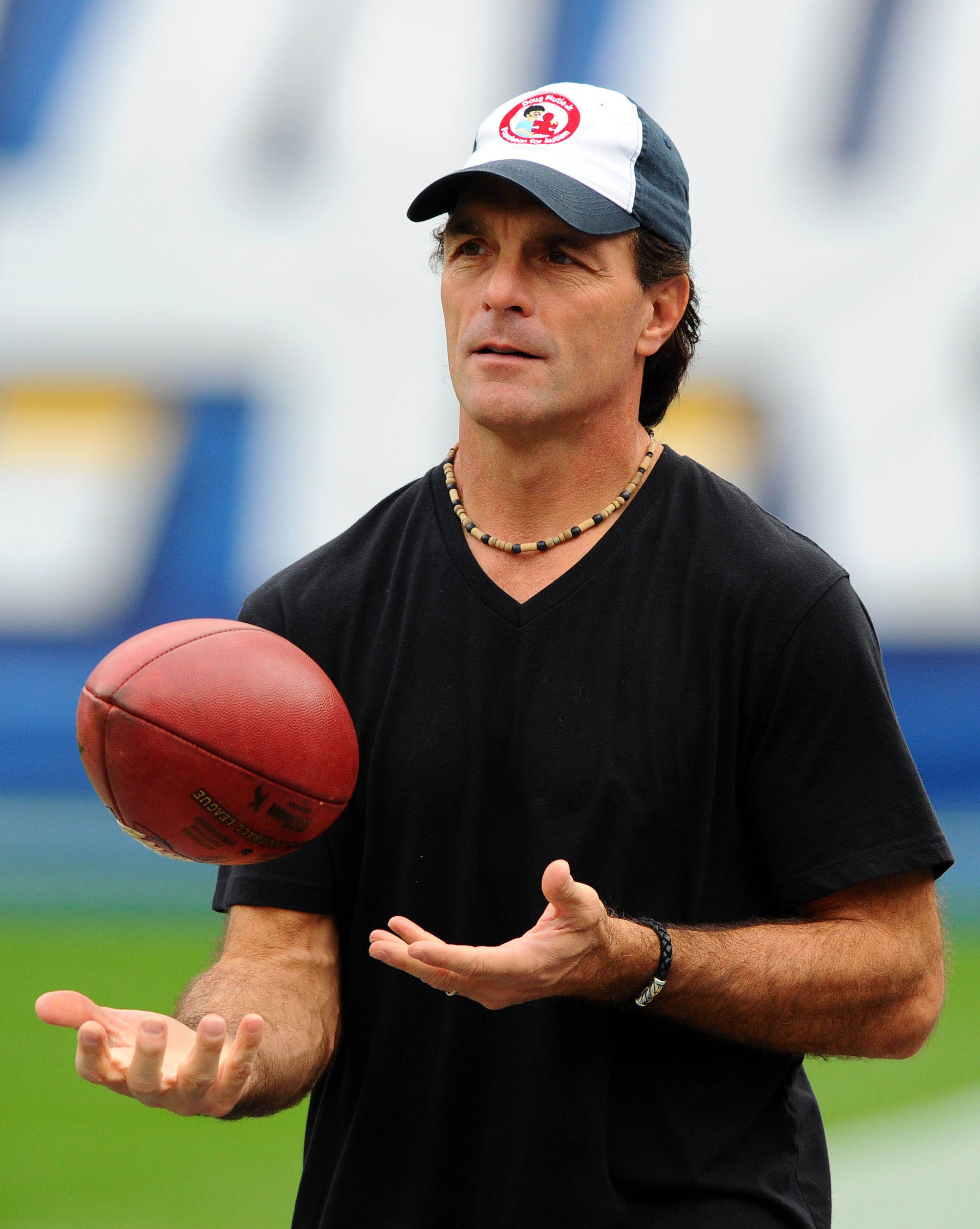 Doug Flutie S Parents Die Within An Hour Of Each Other