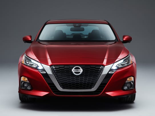 nissan s all new altima debuts at ny auto show. Black Bedroom Furniture Sets. Home Design Ideas