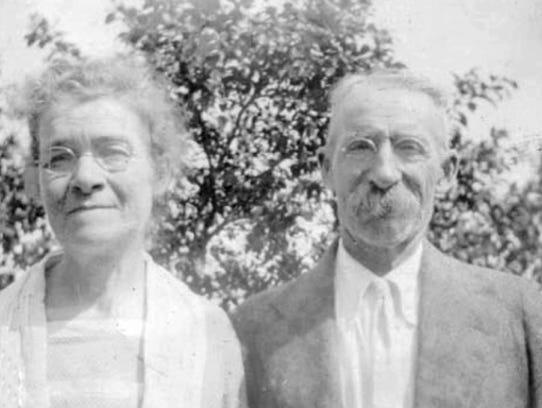 Elizabeth and Horatio Carlisle in Miami between 1925