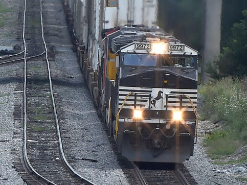 Rail should be part of solution to overburdened I-81 freight traffic