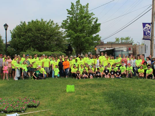 Volunteers (002)