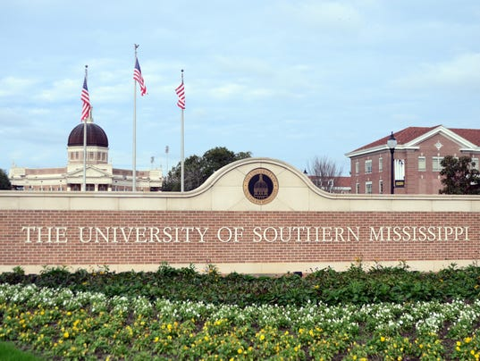 636191423159868450-Southern-Miss-Sign-2.jpg
