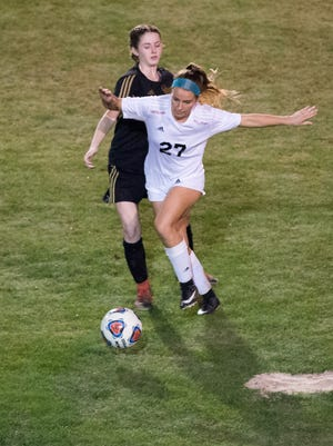 South Fork's Julia Surgeont (27) has scored 23 goals this season, helping the Bulldogs reach the Region 4-4A semifinals for the third consecutive season.
