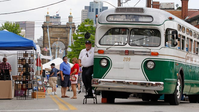 A Greenline bus, a 1950 GMC, on display at Roeblingfest.