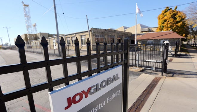 Joy Global sales continue to be down as the mining equipment industry struggles.