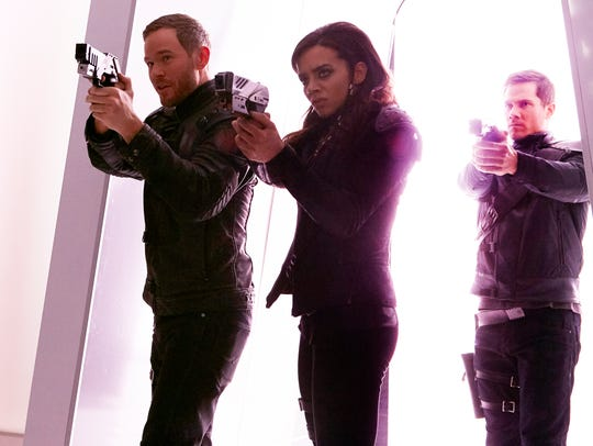 Aaron Ashmore as John, Hannah John-Kamen as Dutch and