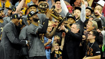Fit for a King: LeBron James, Cavaliers brace for Cleveland's ring night