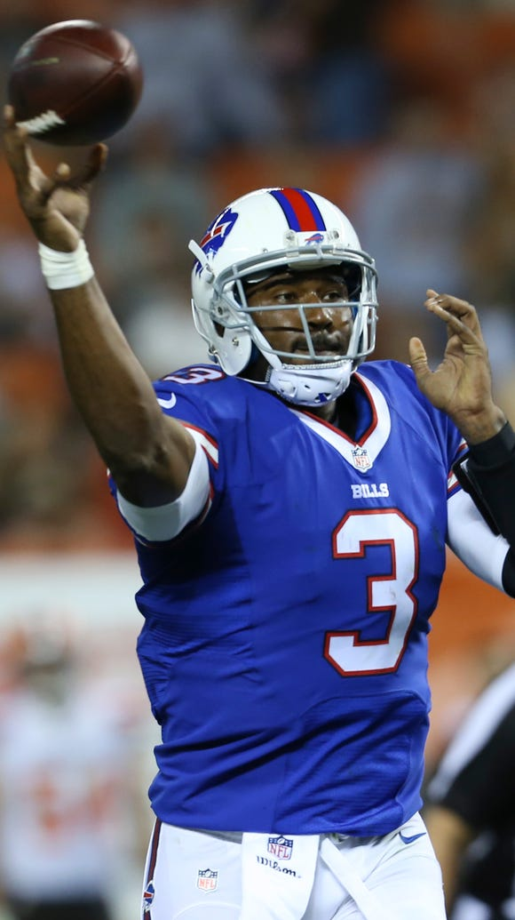 Buffalo Bills quarterback EJ Manuel throws for a 2-point