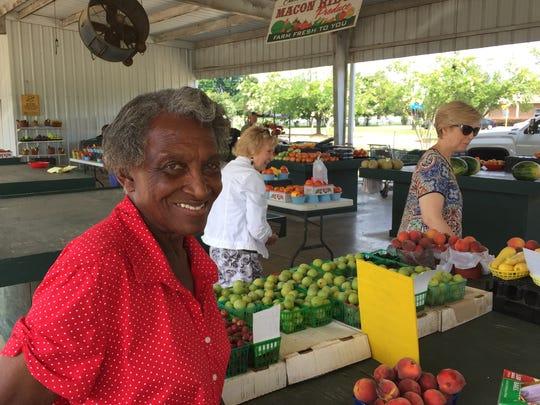 Calhoun Parish produce farmer Ezifer White