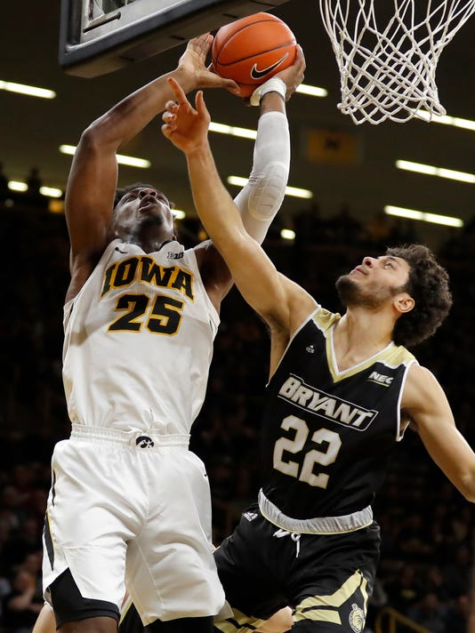 Bryant_Iowa_Basketball_93650.jpg