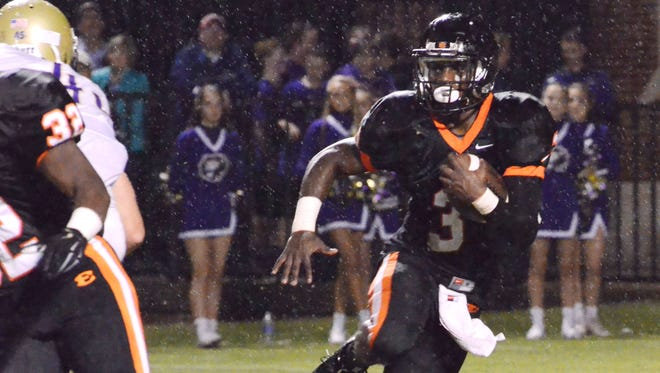 Ensworth running back Darius Morehead (3) cuts outside for a first-down run during the second quarter of Friday's game against CPA.