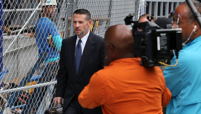 David Wildstein leaves Martin Luther King Jr. Federal Courthouse after a hearing, Monday, Sept. 26, 2016, in Newark, N.J.