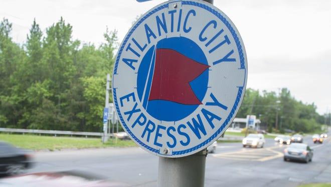 Atlantic City Expressway sign.