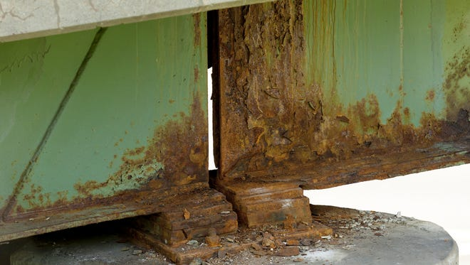 The structurally deficient bridge that carries Cayuga Heights Road over state Route 13 was built in 1964. It was rated 4.10 in 2011 on the scale of 1.0 to 7.0. The bridge that carries Cayuga Heights Road over New York State Route 13 was built in 196, was rated 4.10 in 2011 on the NYS DOT scale from 1.0 to 7.0 and is listed as structurally deficient.