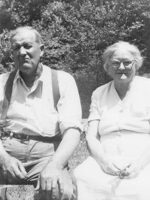 "Albert ""Pretty Daddy"" Gibbs and his wife, Lizzie Ellen Garren Gibbs."