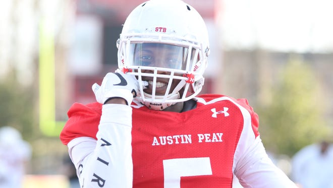 Freshman Kentel Williams warms up to start Austin Peay's spring game on Saturday, March 4.