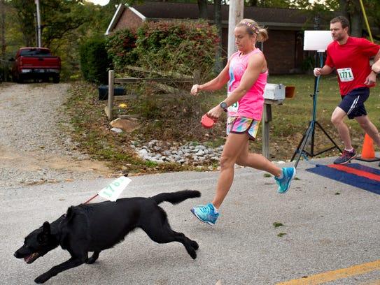 Elizabeth Morgan and her dog Bella start the Chandler
