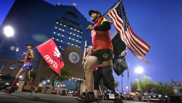 Relay team taking Old Glory across country, run through El Paso