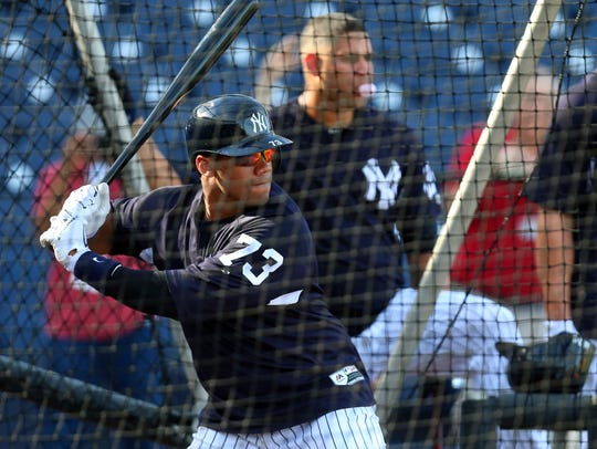 Russell Wilson takes batting practice with Aaron Judge