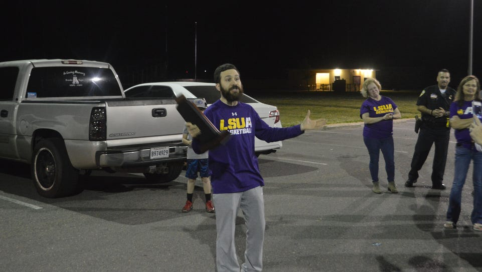 LSUA coach Larry Cordaro talks to Generals fans Tuesday.