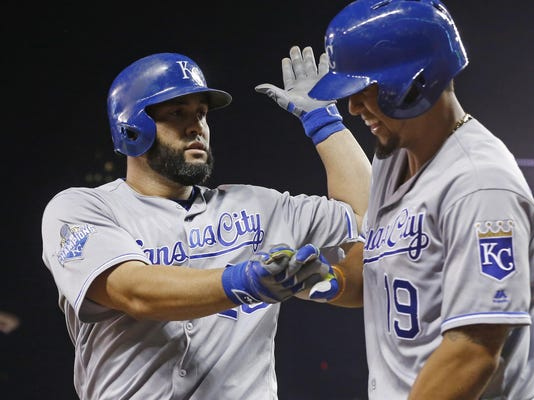 Kendrys Morales,Cheslor Cuthbert