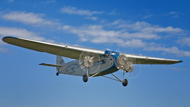 A Ford Tri-Motor airplane will at the Ledgedale Airpark in Sweden June 23 to June 26. The visit is sponsored by Chapter 44 of the Experimental Aircraft Association, which is based there.