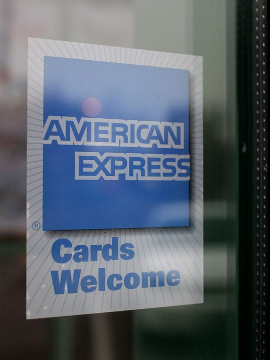 American Express Usa >> Amex Shares Fall On Mixed Earnings