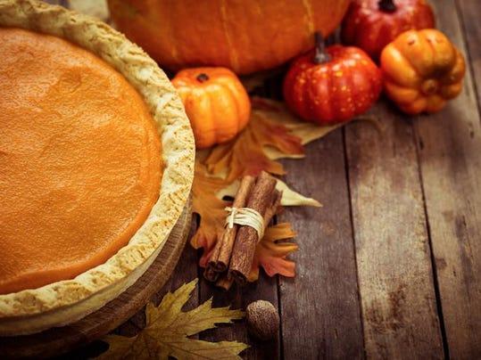 Autumn food - pumpkin pie