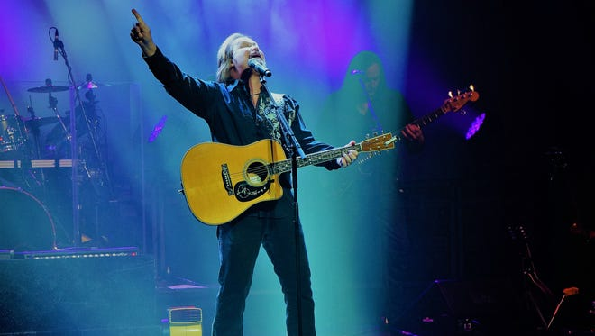 Travis Tritt performs his hit song 'I'm Gonna Be Somebody' July 6 at Millville's Levoy Theatre.