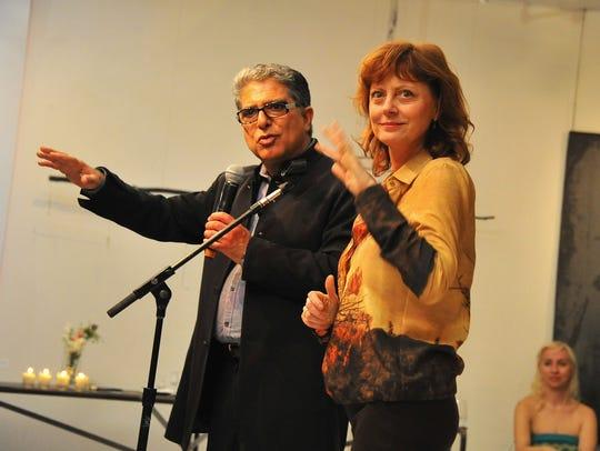 NEW YORK, NY - APRIL 19:  Deepak Chopra and Susan Sarandon