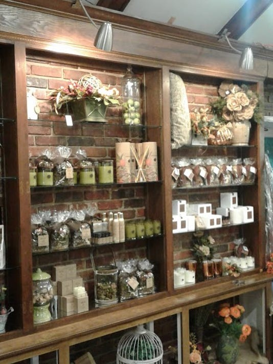 Inside Jim Durio Florist