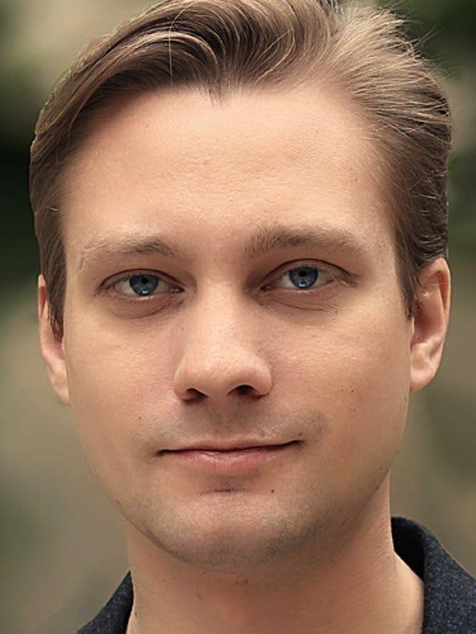 Garth Neustadter_headshot.jpg