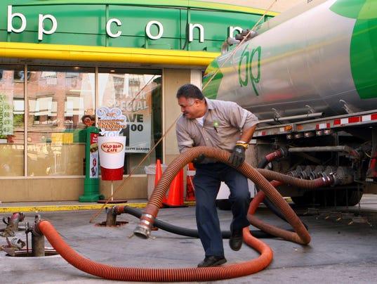 AP OIL PRICES F USA NY