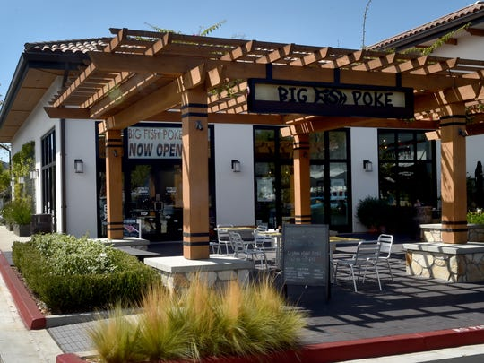 Big Fish Poke in Thousand Oaks features outdoor seating as well as an indoor dining area.