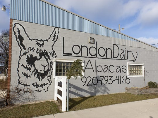 The side of the store of the LondonDairy Alpacas Ranch