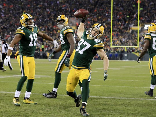 Green Bay Packers wide receiver Jordy Nelson (87) spikes
