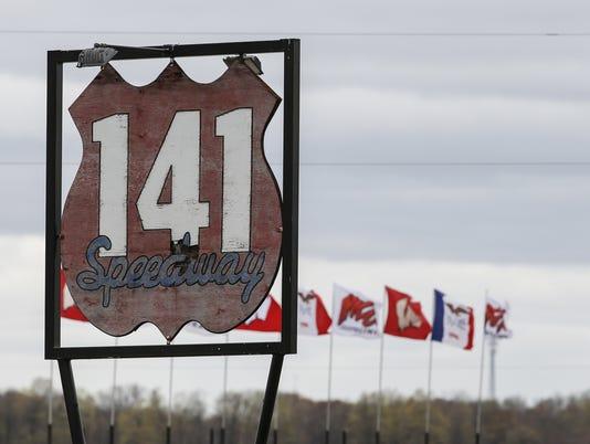 636293429800187416-MAN-141-Speedway-050217-JC0027-JUMP.jpg