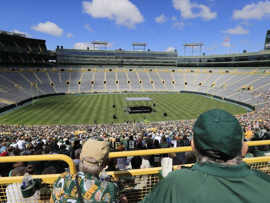 Packers fans listen to President and CEO Mark Murphy at the annual Green Bay Packers shareholder's meeting at Lambeau Field on Monday, July 24, 2017, in Green Bay, Wis. This is the view from near the top row at Lambeau Field. Adam Wesley/USA TODAY NETWORK-Wisconsin