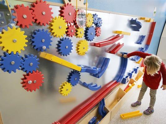 636639799175742954-APC-STEM-day-at-BFK-110517-rbp015MONA3-1-.jpg
