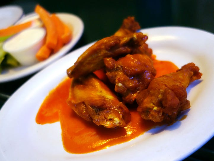 Pullano's Pizza makes a very good classic hot wing