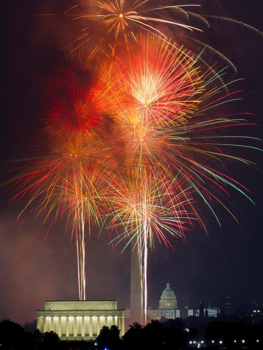 AP JULY FOURTH WASHINGTON A USA VA