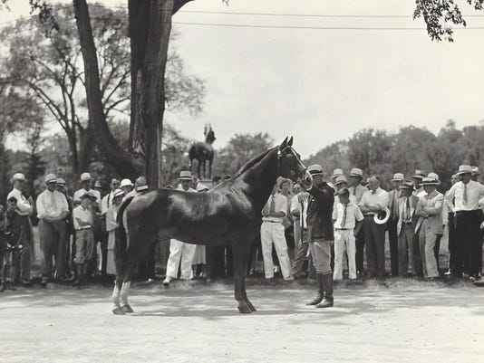 (4) Visitors seeing horses June 1934
